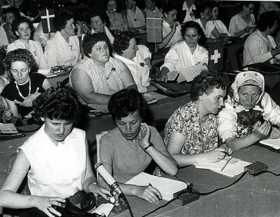 WIDF congress in Vienna in 1958. Photo: (No information). Source: ARAB, Ny Dag.