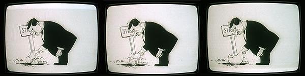 Tre stillbilder ur filmen Vårt land är ditt. Den liberale statsministern C.G. Ekman - arbetarrörelsens ledande hatobjekt vid den här tiden - statuera exempel genom att trycka ner en arbetslös i Stripa gruvhål med sin jättelika tumme.