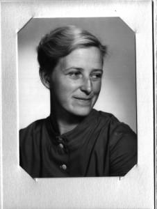 Molly Johnson vid tiden för debuten (kring 1955), Källa: Wikipedia, public domain.