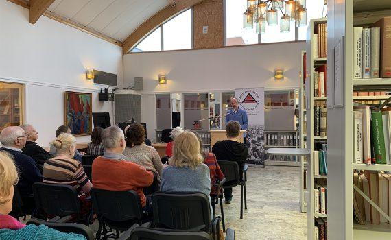 ARABs bibliotekschef Hans Larsson hälsar välkommen till Arbetarlitteraturens dag 2020.