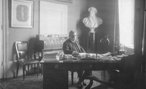 Hjalmar Branting som stadsminister 1921.