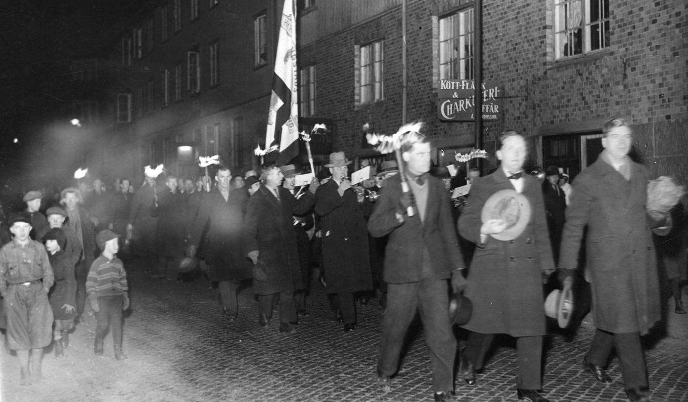 Hyresstriden i Göteborg. Hisingens hyresgäster demonstrerar mot Garantiföreningen.