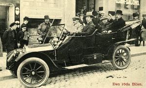 Röda bilen nr 1, Mathis. Vykort utgivet av Frams förlag.